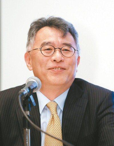 日月光投控31日舉行法說會,由財務長董宏思主持。報系資料照