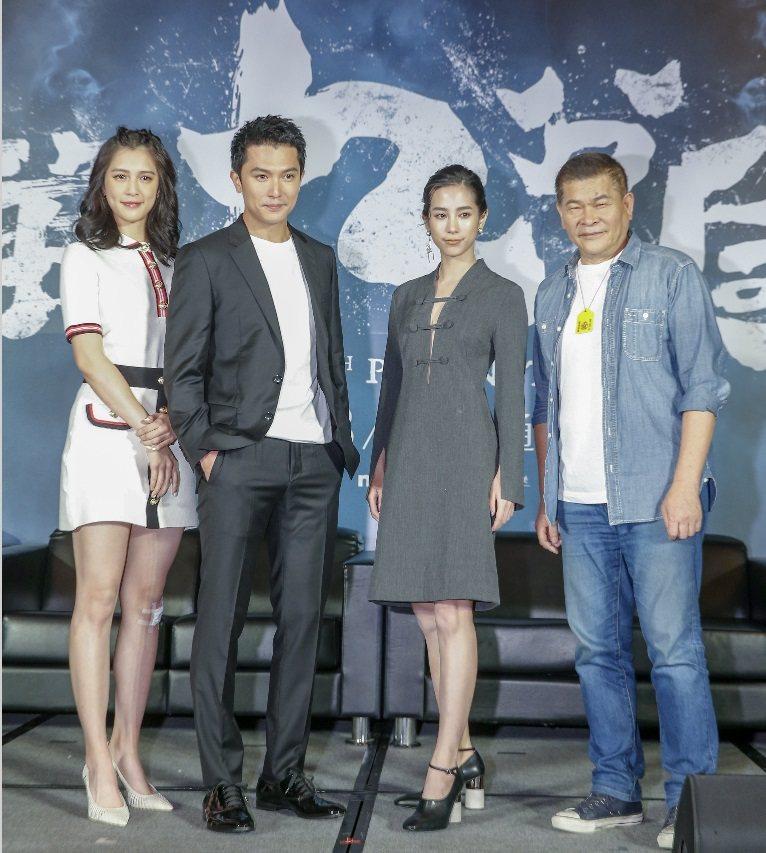 劉奕兒(左起)、邱澤、溫貞菱、澎恰恰是「第九分局」中的新鮮組合。記者鄭超文/攝影
