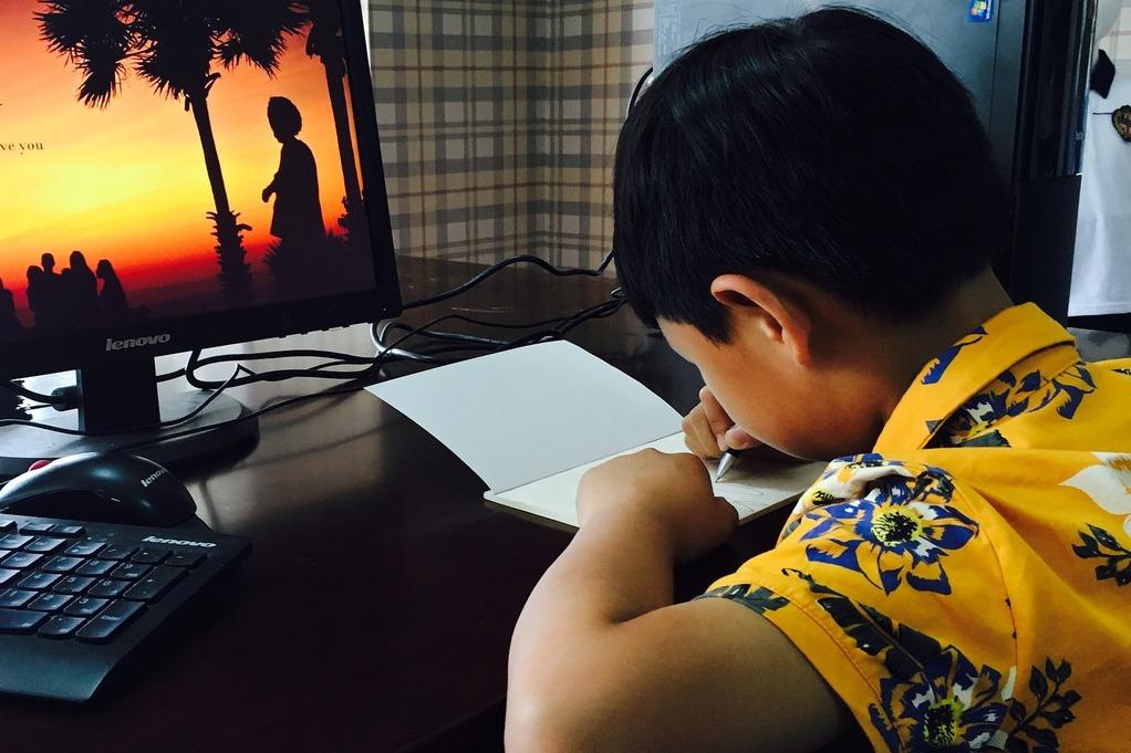 線上聊天,摧毀孩子作文能力?