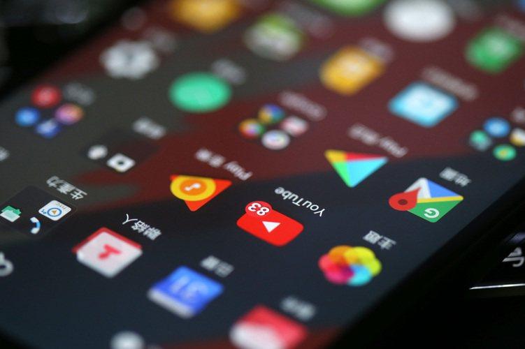 經理人表示,數位消費、新興消費及強勢品牌為長期三大趨勢,透過長期消費趨勢更淬鍊出...