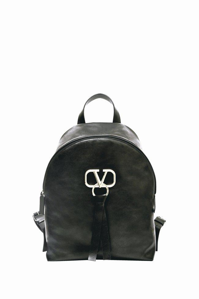 銀色金屬「V」Logo可調節肩背帶柔滑小牛皮包身皮革緞帶●Val...