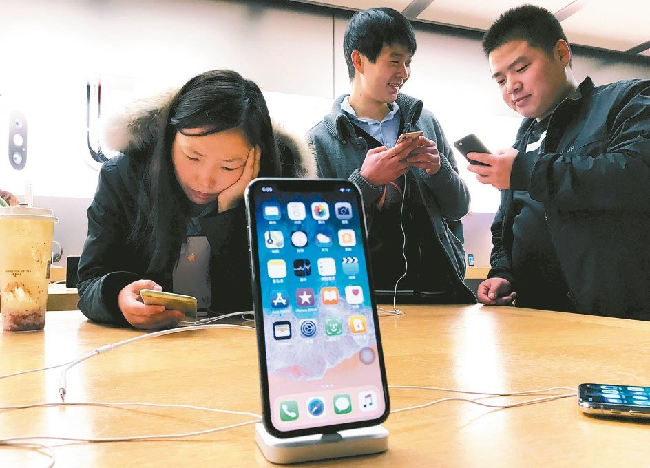 國際研究暨顧問機構顧能預測,2019年全球智慧型手機銷售量總計15億支,較去年同...