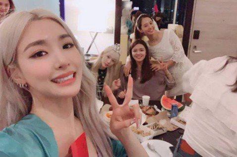出道12年的韓國女團少女時代,每個團員都有著不同魅力,加上精湛舞藝與甜美外型,成為韓國最毅力不搖的女團。但近來幾位團員出走SM娛樂,少女時代合體也變得更罕見。前陣子少女時代合體出現在潤娥主演電影《極...
