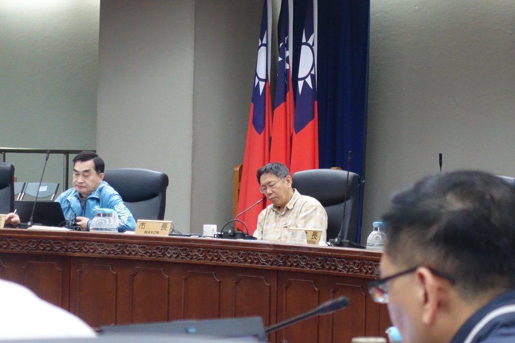 台北市長柯文哲曾在會議上忍不住點頭打瞌睡。報系資料照