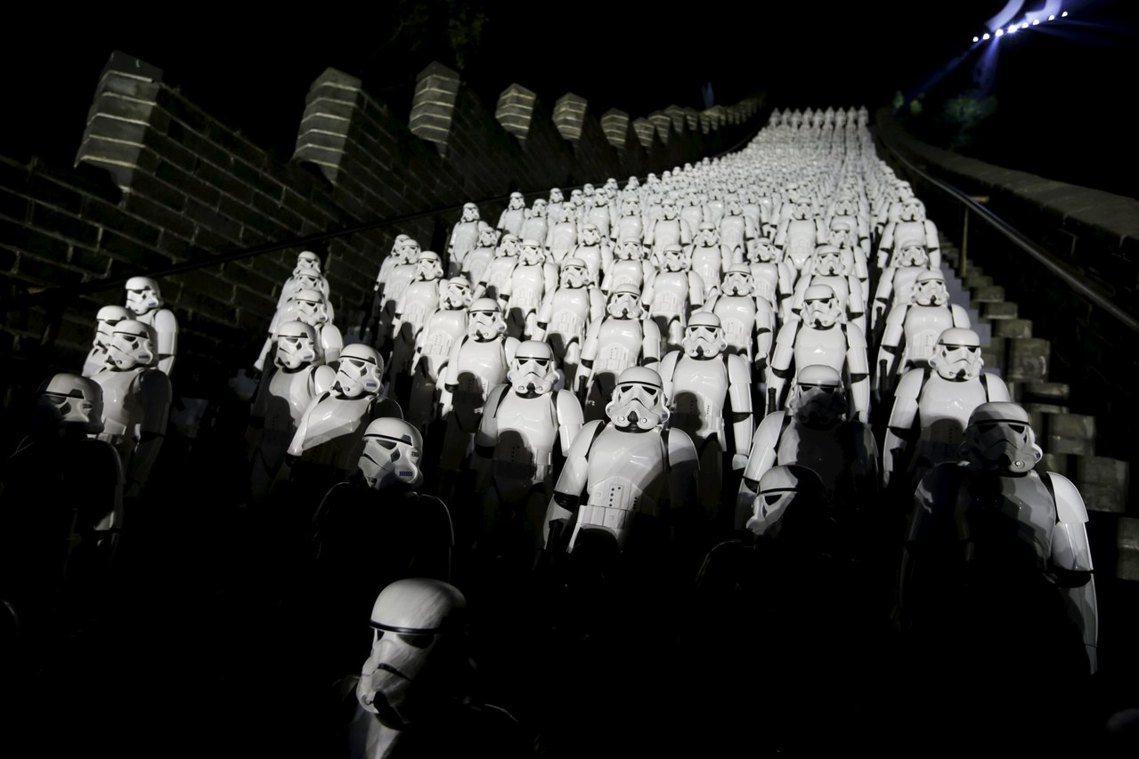 2015年在北京居庸關長城舉辦的《星際大戰》電影宣傳活動。 圖/路透社