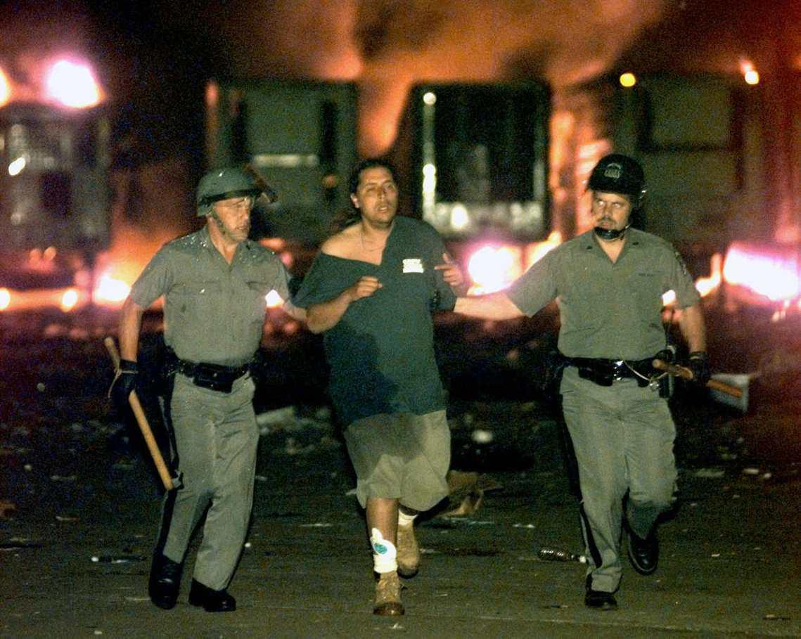 1999年的30周年紀念,有將近40萬樂迷參與,但最後卻演變成縱火、暴力、性侵案...