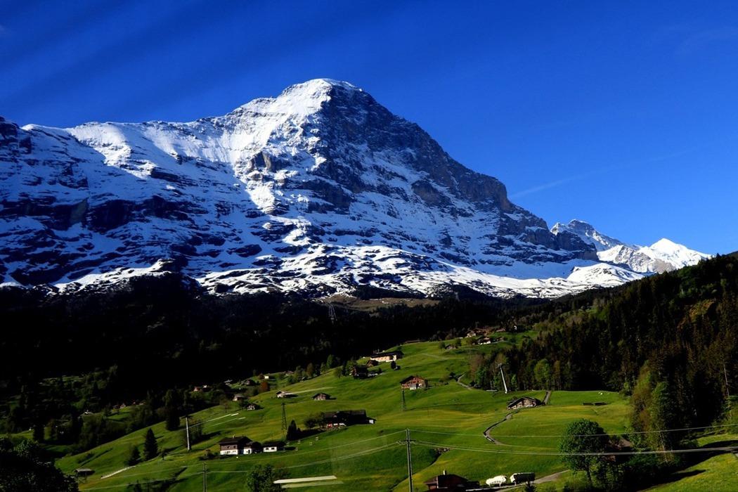 瑞士/夏日少女峰,遠眺阿爾卑斯山群山