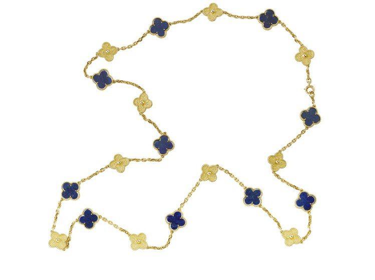 1968年的骨董黃K金及青金石Alhambra長項鍊。圖/梵克雅寶提供