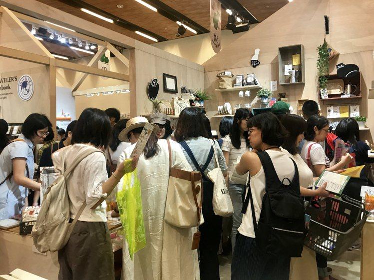 2019誠品書店「理想的文具」,讓人見識到台灣文具迷的熱情。記者江佩君/攝影