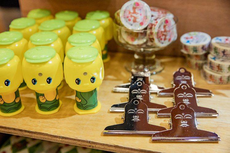 日本奈良文具設計品牌coto mono,以日本著名觀光景點鎌倉大佛與Fueki聯...