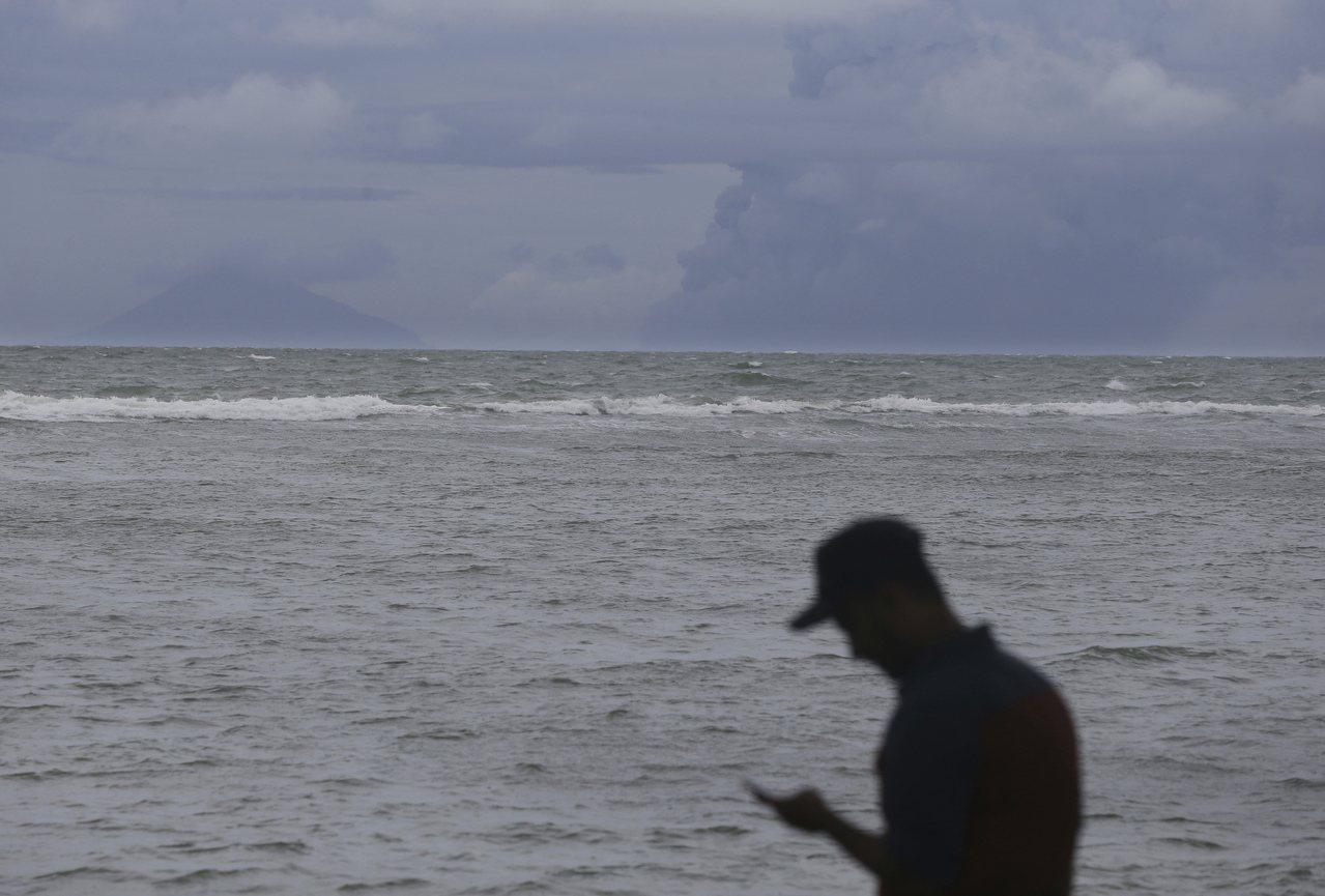 印尼蘇門達臘在2日遭規模6.9地震侵襲 ,當局已發出海嘯警報。美聯社