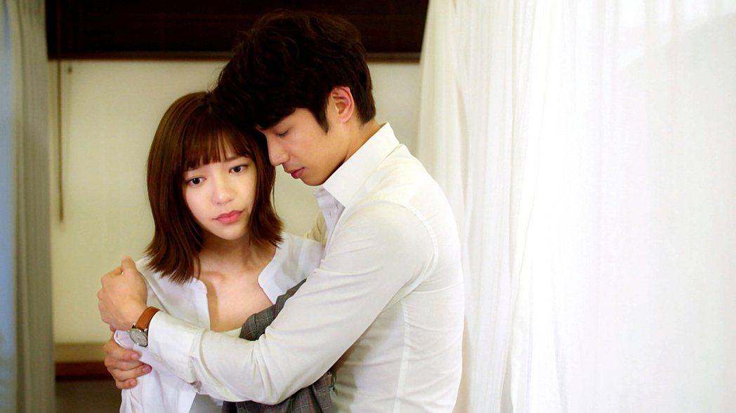 劉以豪、郭雪芙主演「我們不能是朋友」大膽赤裸描寫愛與情慾。圖/八大提供