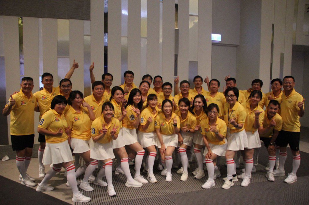 108級桃園資財班拿下迎新比賽總冠軍。 吳佳汾/攝影