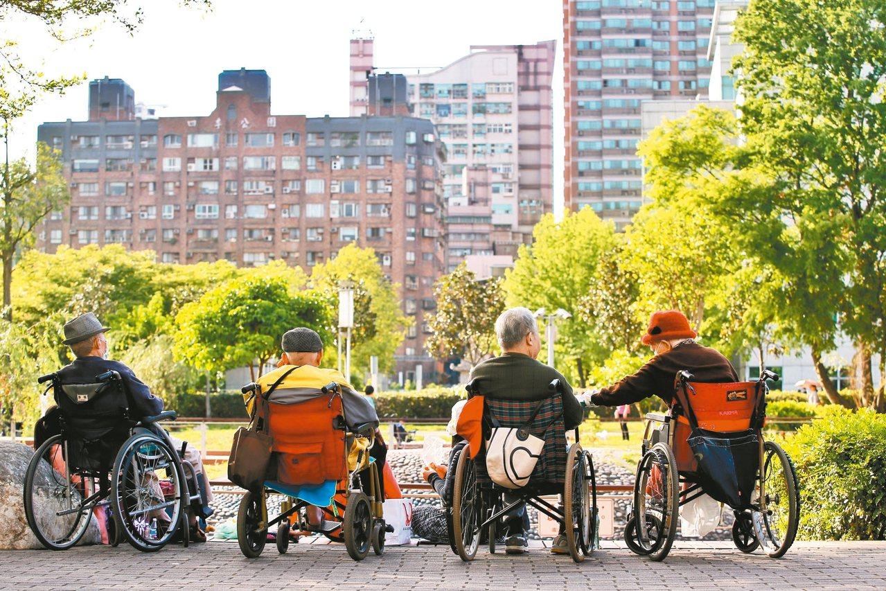 隨著國人平均壽命增加,以房養老的案例越來越多。 圖/聯合報系資料照片