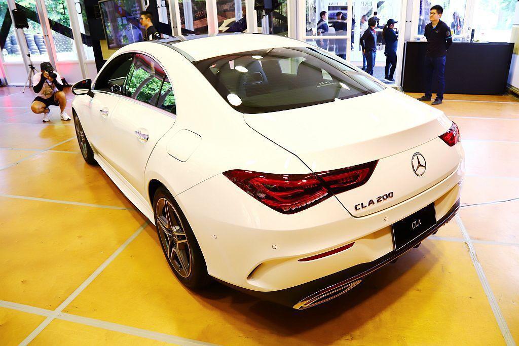 台灣市場導入CLA 200、CLA 250兩種動力車型,建議售價為台幣188萬起...