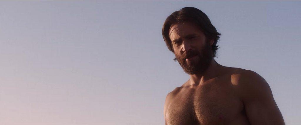 克里斯伊凡在「紅海深潛密援」仍有展現體格的畫面。圖/摘自Twitter