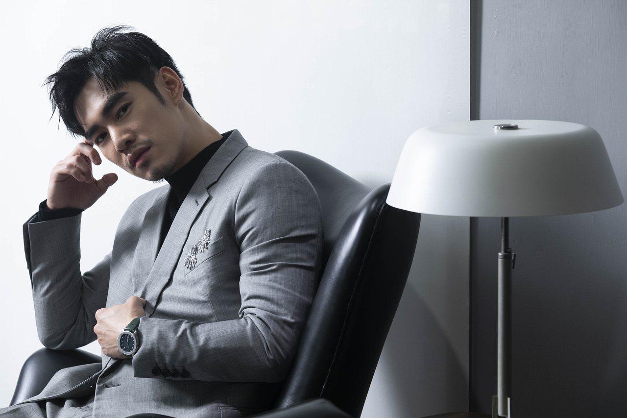 演員張書豪於2019年台北電影節紅毯配戴PIAGET Polo系列孔雀綠表盤精鋼...