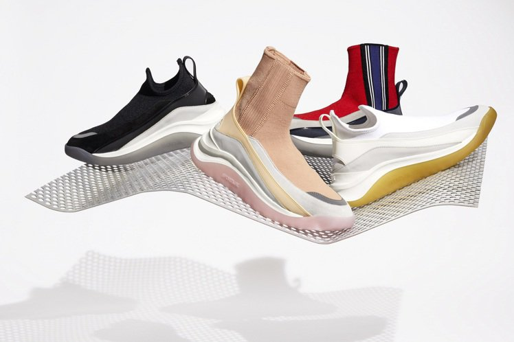 SPORTMAX 3DMOTUS運動鞋推出多款新色。圖/SPORTMAX提供