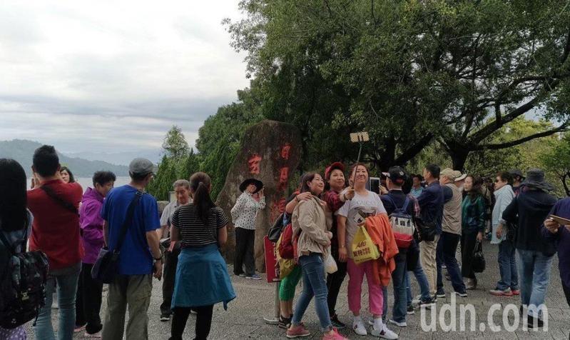 中國大陸47個省市8月1日起停發赴台自由行通行證,且將進一步限縮團體旅客。本報資料照片