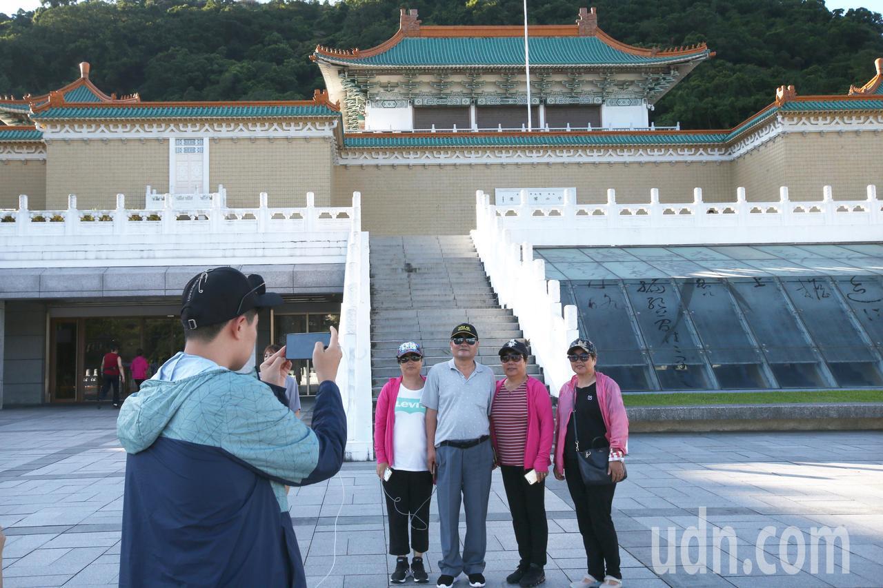 旅行業者表示,台灣選舉前大陸都會操作縮減來台旅遊配額,旅行社已當作「例行公事」,...