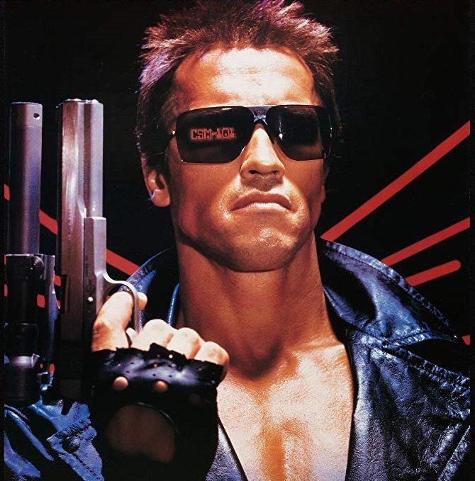 「魔鬼終結者」讓演反派機器人殺手的阿諾史瓦辛格變成動作巨星。圖/摘自imdb