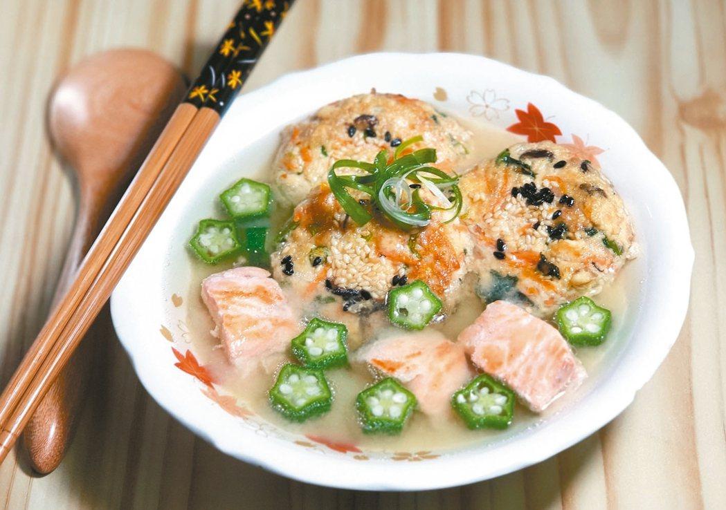 豆腐排鮭魚味噌湯