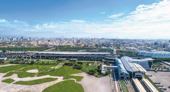 台中高鐵特區為全台少數擁有「三鐵二高一快」的區域,包括高鐵、台鐵、捷運綠線、中山...