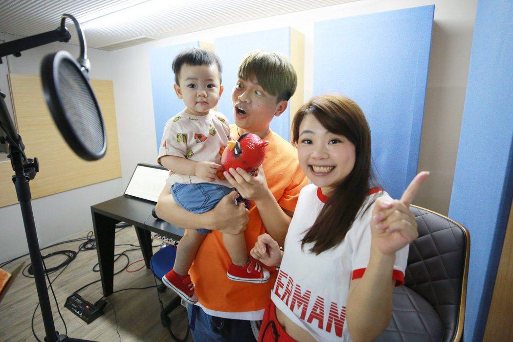 蔡阿嘎與二伯育有可愛的兒子蔡桃貴。 圖/擷自蔡阿嘎臉書
