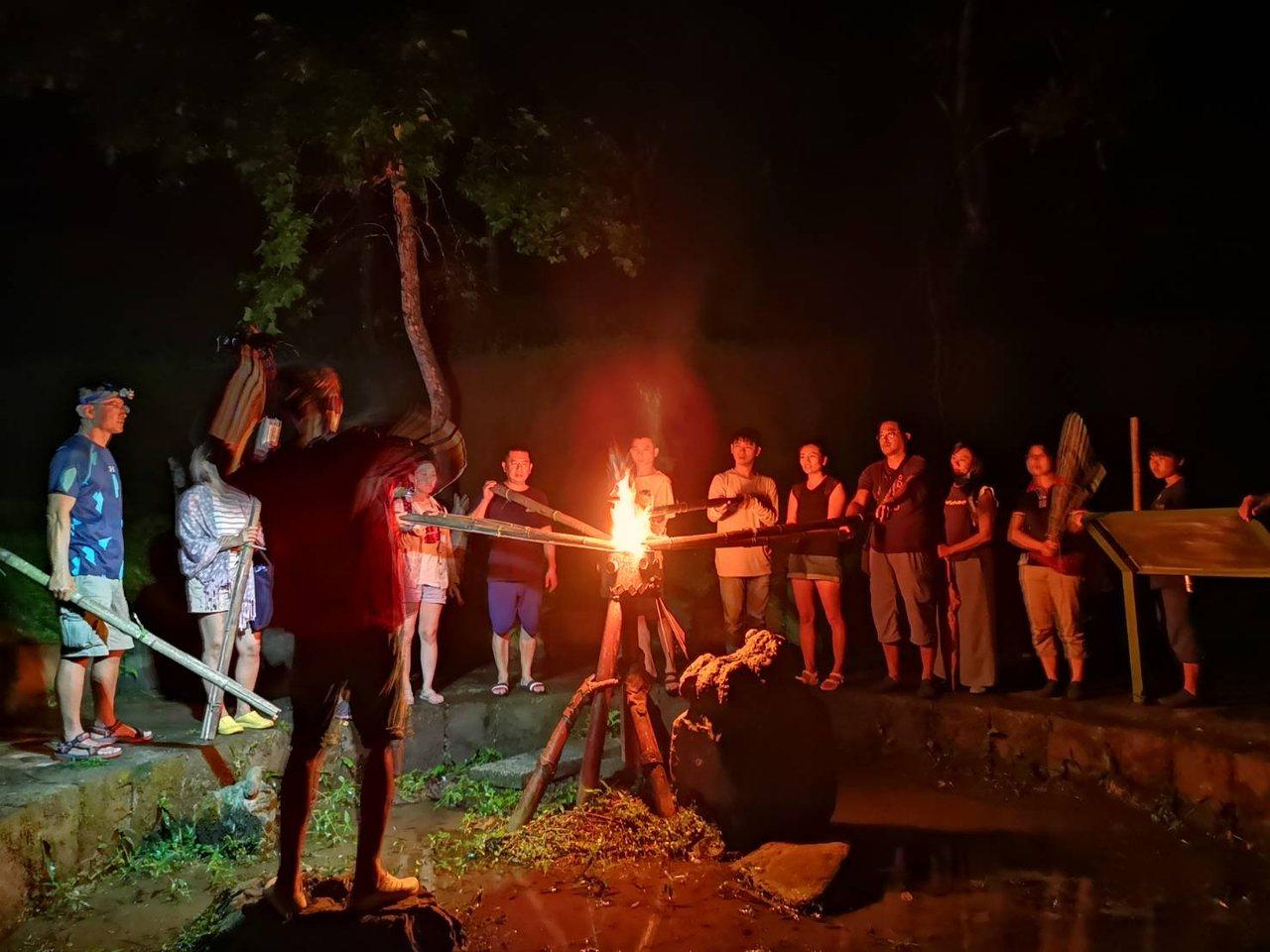 嘉義珈雅瑪青年壯遊點火祭體驗。圖/教育部提供