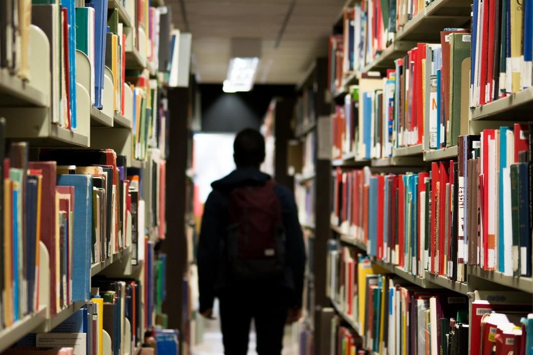 關於大學甄試/沒有課外書籍的弱勢小孩