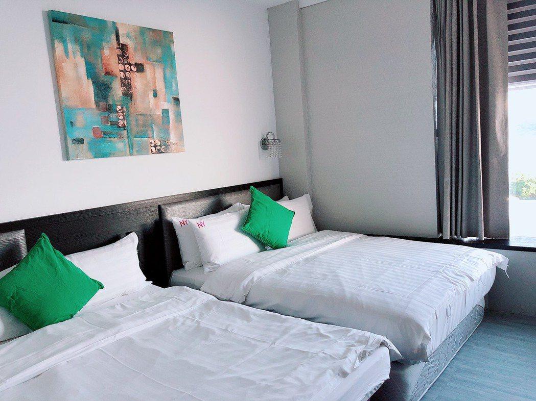 BayView Hotel有著多種房型規劃,採光明亮,簡約不失優雅。蘇璽文/攝影