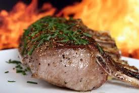研究指出,癌症患者若少食用蛋白質(肉類含有大量蛋白質),可以使癌症擴張狀況變慢。...