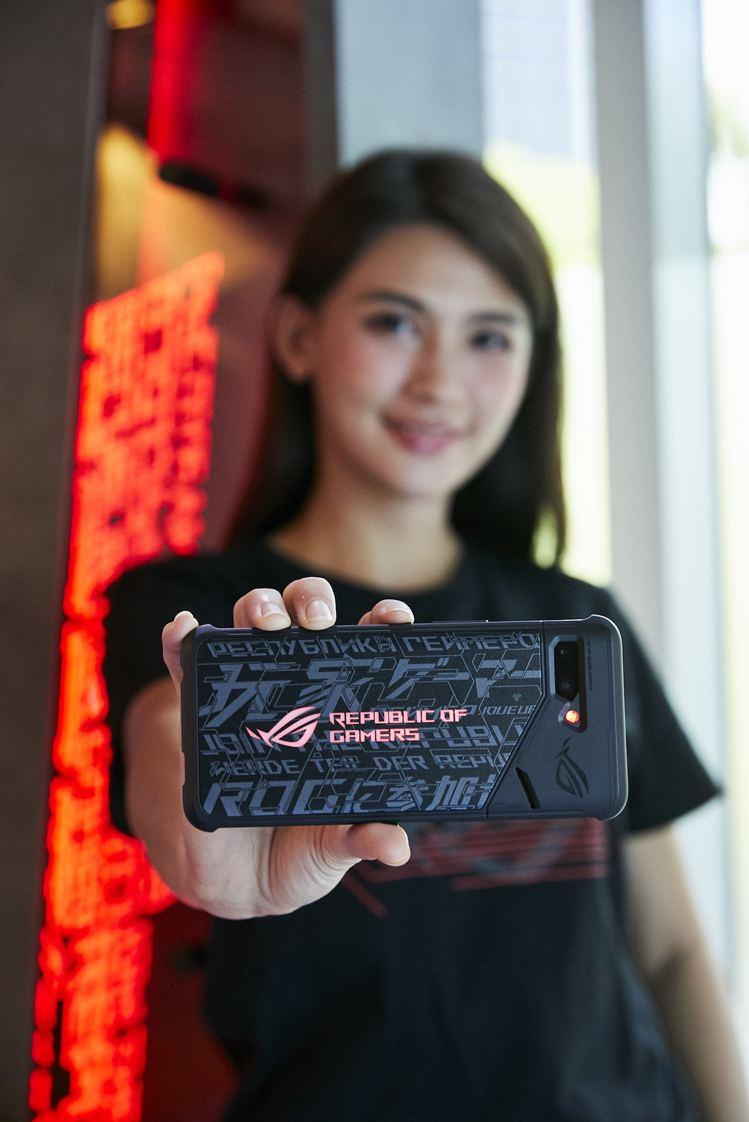 即日起於華碩專賣店購買ROG Phone II,加贈炫光智慧保護殼活動延長至9月...