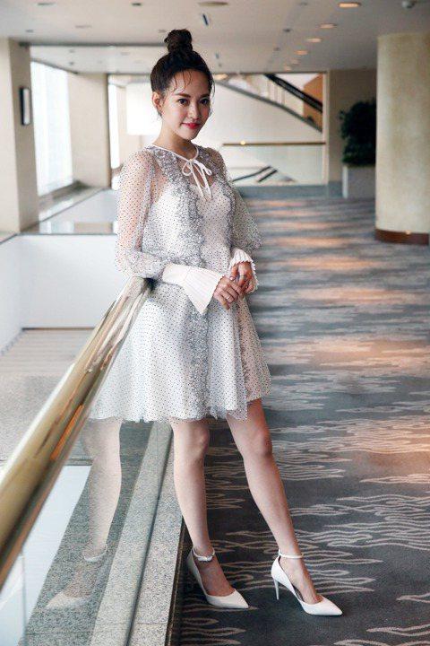 焦恩俊23歲的大女兒焦曼婷承衣缽成為演員,最近在LINE TV「靈異街11號」中飾演簡嫚書的妹妹,與周定緯、吳珝陽有感情糾葛,戲外她自稱「沒有太多戀愛經驗」,也還沒有可以帶回家給爸爸「鑑定」的對象,...