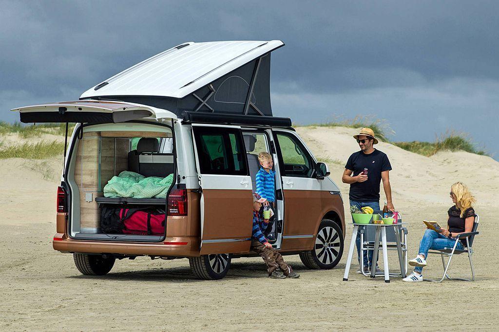 福斯商旅California悠久的30年發展歷史以及累積銷售超過175,000輛...