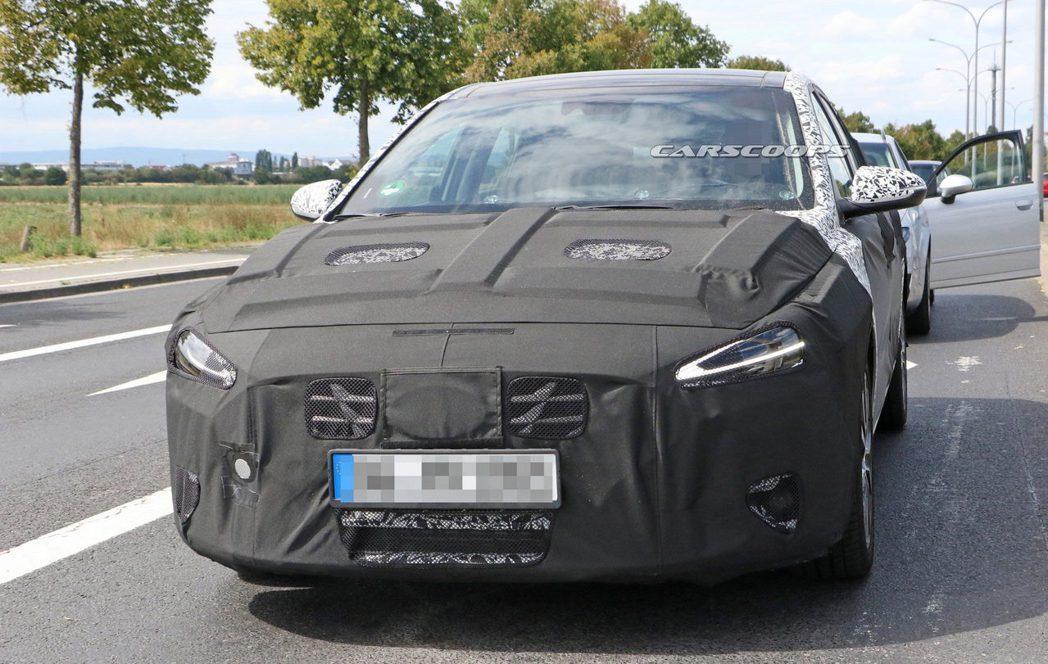 小改款Hyundai i30偽裝測試車。 摘自Carscoops