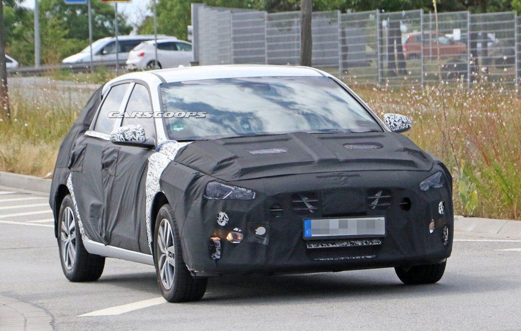 小改款Hyundai i30的水箱護罩造型似乎有所變化。  摘自Carscoo...