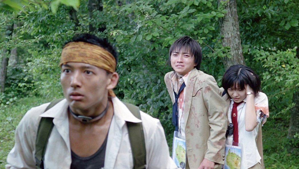 由藝人山本太郎(左一)所領軍的「令和新選組」,成為本次參議院的新勢力。山本太郎現...