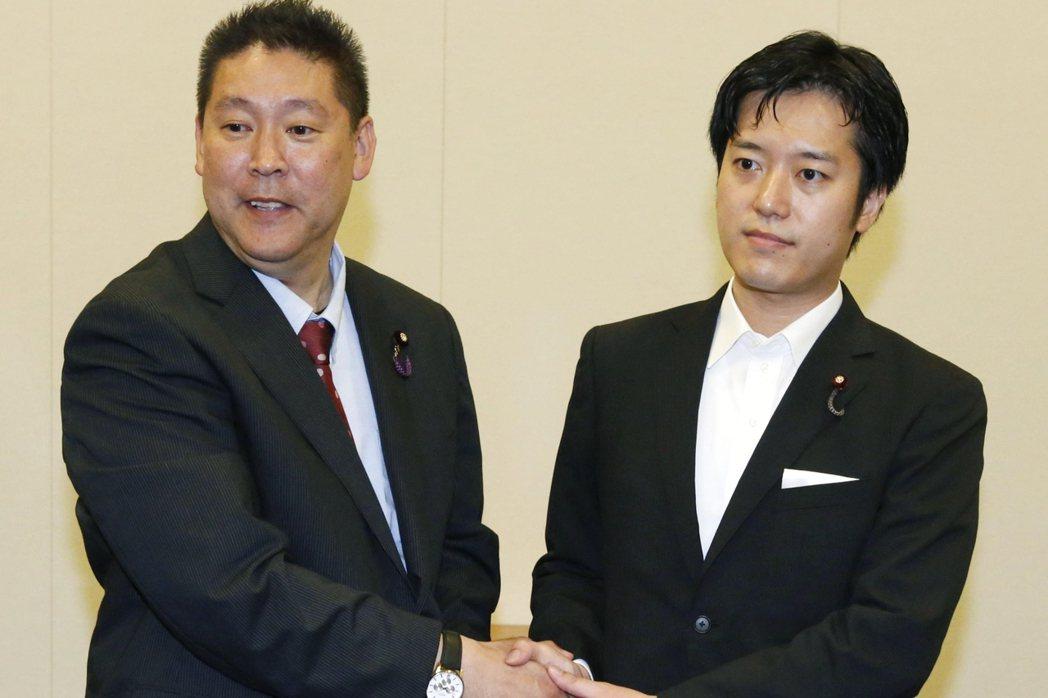 矛盾對決?左為「絕對不繳NHK收視費」的立花孝志,右為「絕對會繳NHK收視費」的...