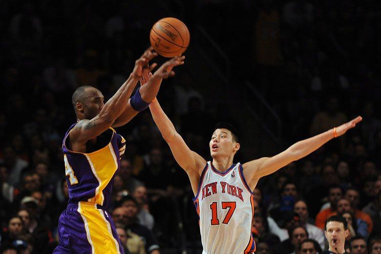 林書豪(右)目前在NBA中屬於相對不耐戰的球員,三分球也不太準,但如果轉戰其他聯...