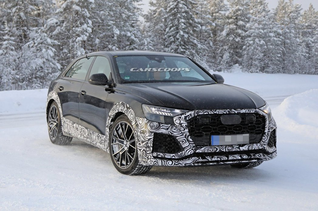 Audi RS Q8偽裝車。 摘自carscoops