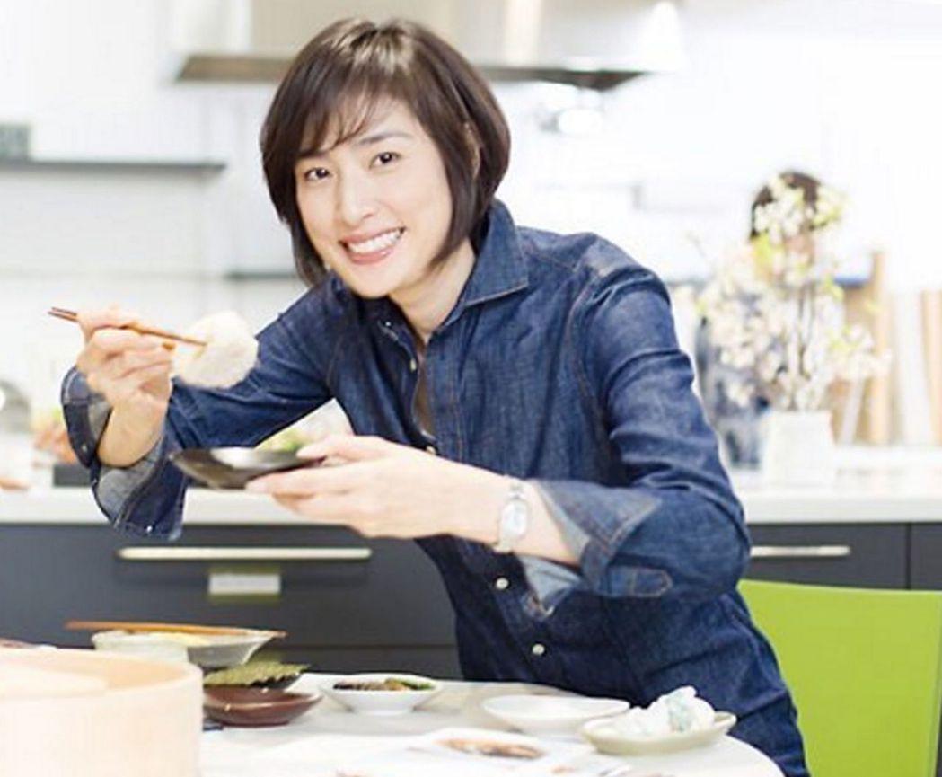 51歲的日本女星天海祐希曾公開表示不會結婚,因為對婚姻沒興趣。 圖/取自Inst...