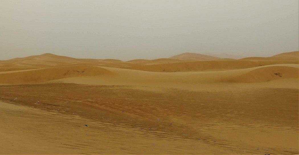 金黄色的沙丘