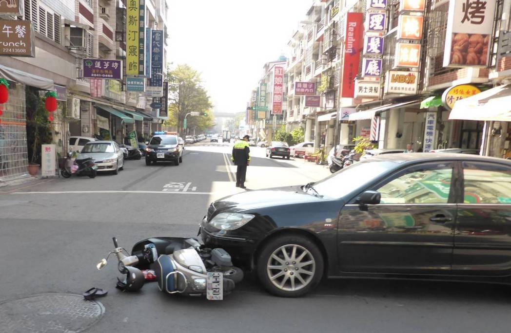 台中市警局統計今年以來有3人因未戴妥安全帽,而造成死亡案件,交通大隊也趁機呼籲用...