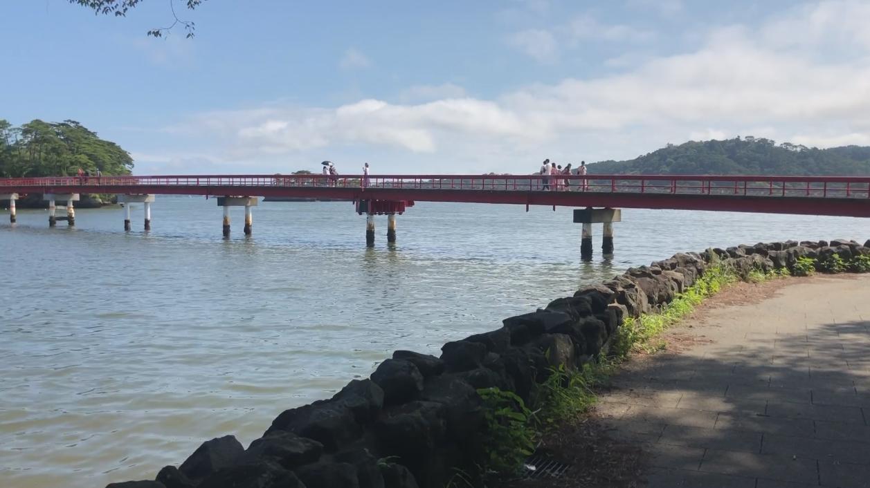 「福浦橋」,是連結松島本島與福浦島之間的行人大橋。記者曹悅華/攝影