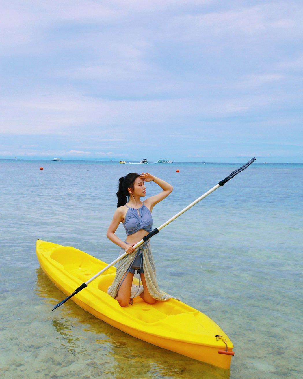 蔡瑞雪在長灘島玩水十分盡興。圖/興揚提供
