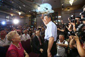 王宏恩/藍綠以外:台灣民眾黨的議題空間有多大?