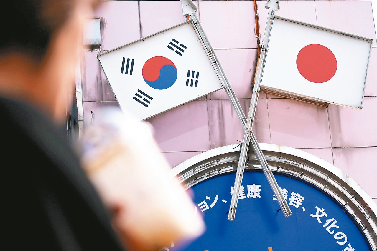 日本7月4日對南韓實施3項關鍵半導體原料出口管制措施,不過,日本政府已准許首批原...