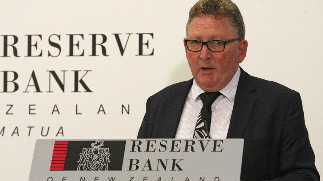 紐西蘭央行總裁Adrian Orr今(7)日向媒體說明降息政策時,已經公開討論「...