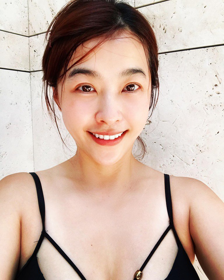 小嫻七月份也分享火辣泳衣照。圖/擷自臉書